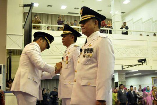 Gubernur Lampung Lantik Parosil-Mad Hasnurin