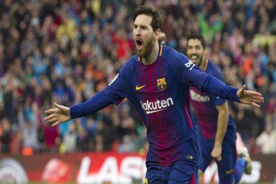 Pemain PSV dilarang minta kaus Messi