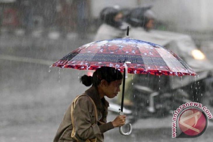 BMKG prakirakan tiga hari ini Lampung hujan
