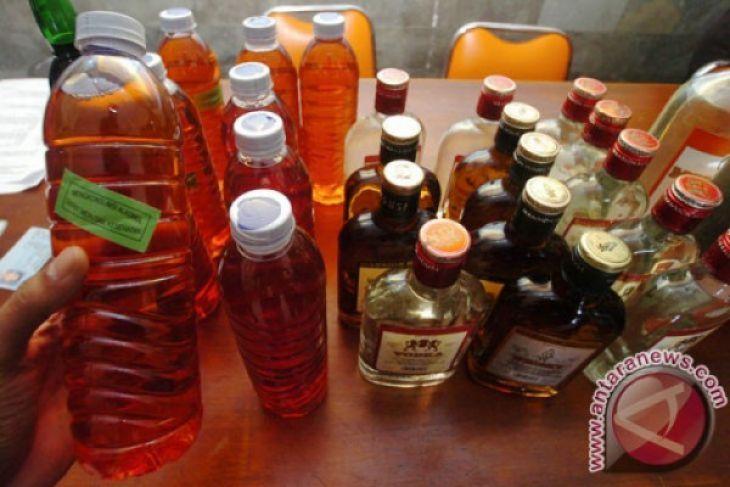 Minuman keras oplosan tewaskan lima lansia di Bekasi
