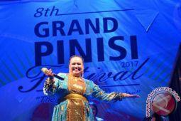 Artis D'Akademi Ati Kodong Meriahkan Festival Pinisi 2017