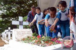 Ziarah Makam Pahlawan Edukasi Siswa Frater Makassar