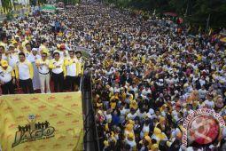 Peserta Jalan Golkar Tembus 300 Ribu Orang