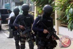 Polda Riau-Densus 88 tangkap delapan terduga teroris