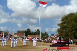 BUMN Hadir - Dirut  PT Semen Tonasa inspektur upacara di Jeneponto