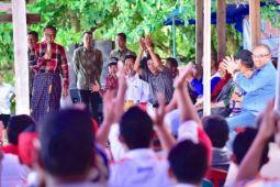 Gubernur janjikan pembangunan akses pantai Mandala Ria