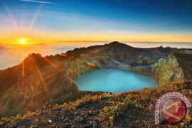 Objek wisata Danau Kelimutu kembali dibuka
