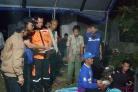 Sekda Sulbar kunjungi korban banjir ditenda darurat