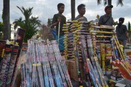 Mamuju Tengah melarang penjualan petasan
