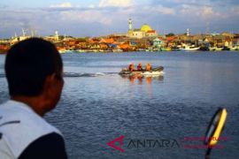 Basarnas perluas pencarian korban kapal tenggelam di Makassar