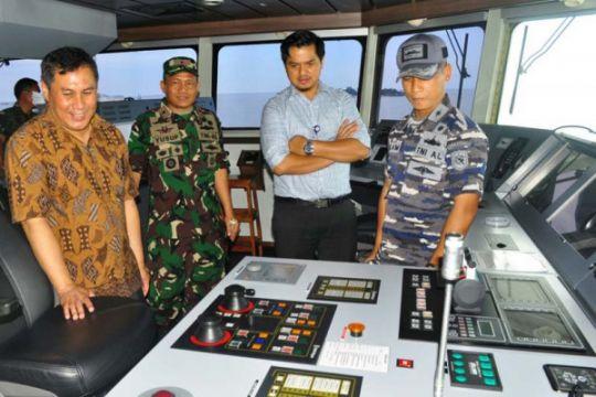 Danlantamal VI bersama BPK kunjungi KRI RE Martadinata