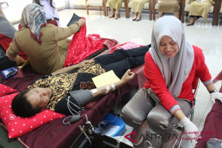 Anggota DPRD Sulsel donorkan darah untuk kemanusiaan