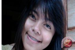 Fista Prilia duta Sulut di Indonesian Youth Conference