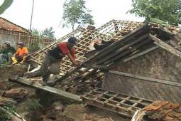 Lima rumah rusak pascaerupsi Gunung Karangetang