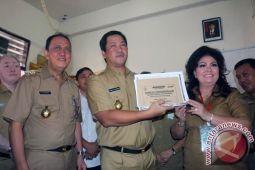 Roring dampingi ODSK buka soal UN SMA/SMK Manado