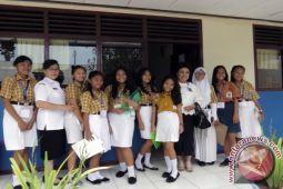 Pantau SMP III Lumowa Berikan Dukungan Bagi Guru
