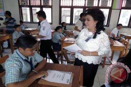 Buka Soal di SMP II Lumowa Semangati Peserta