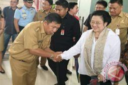 Megawati Persilahkan Sumendap Tentukan Cawabupnya Sendiri