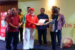 BERANDA - Bupati Talaud Dapat Anugerah Bandara Awards
