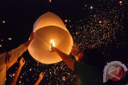 1.000 Lampion Ramaikan Malam Penutupan Fesdaton