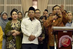 Prabowo dinilai tiru jurus Donald Trump