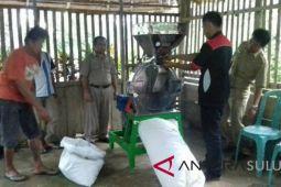 Pokdakan Minahasa Tenggara Dapat Bantuan Mesin Cetak Pakan