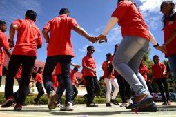 BUMN HADIR - Peserta SMN NTT Kunjungi SMA 9 Manado