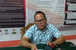Bawaslu-Pol PP Manado tertibkan APK bermasalah