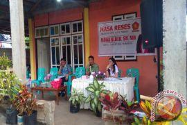 Jaring Aspirasi di Batusaiki, Mona Cloer Bantu Mantan Pala