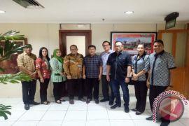 Komisi D DPRD  Manado Konsultasikan UNBK ke Kemendikbud