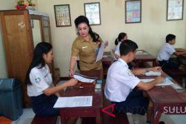 Hari Kedua USBN Wali Kota-Kadis Pendidikan ke SMP St.Rafael