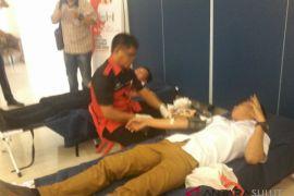 Puluhan pendonor ikut donor darah Forward Sulut