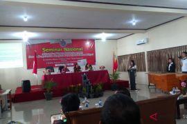 FH Unsrat Gelar Seminar ARD Sarana Penyelesaian Sengketa Pasar di Luar Litigasi