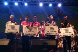 SMP Don Bosco - Legacy Sawangan juara festival kolintang Manado Fiesta 2018