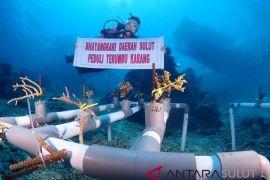 Bhayangkari Sulut Lakukan Transplantasi Karang di Tawara-Bunaken