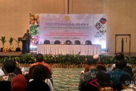 Ratusan peserta ikut Konferensi Nasional-Internasional Kelapa di Manado