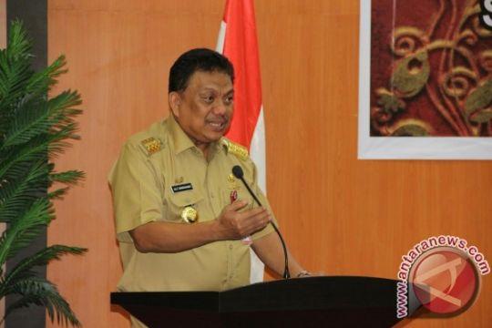 Gubernur: Tanam varitas unggulan tingkatkan produksi kelapa