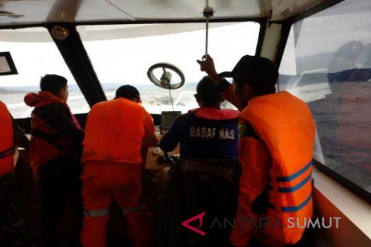 Cuaca buruk diduga penyebab kapal angkut 100 orang tenggelam di Danau Toba