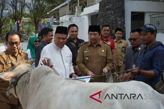 Pemkot Manado sumbangkan 11 ekor hewan