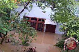 Pemprov kirim bantuan untuk korban banjir dompu