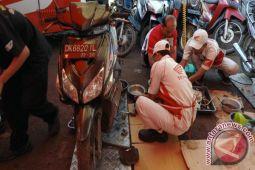 Astra Bantu Perbaikan Kendaraan Korban Banjir Lombok Timur