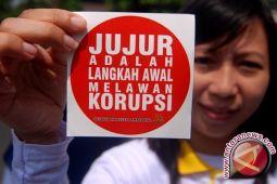 Mantan Kadis Koperasi UMKM NTB Dituntut 2,5 Tahun Penjara