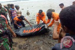 Petani Korban Banjir Bima Ditemukan Meninggal di Pantai