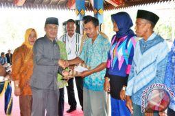 Ribuan Kelompok Tani Lombok Barat Terima Sertifikat