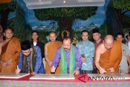 Bupati Lombok Utara resmikan 11 vihara