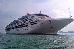 1.979 turis asing turun di Pelabuhan Lembar