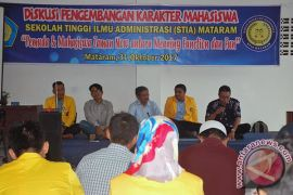 Mahasiswa STIA Mataram Motivasi Diri Menjadi Pemuda Inovatif