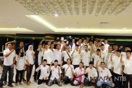 Sekber relawan Jokowi deklarasi Dwi Tunggal Jokowi-TGB