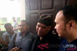 Fadli Zon mangkir, sidang Ahmad Dhani ditunda