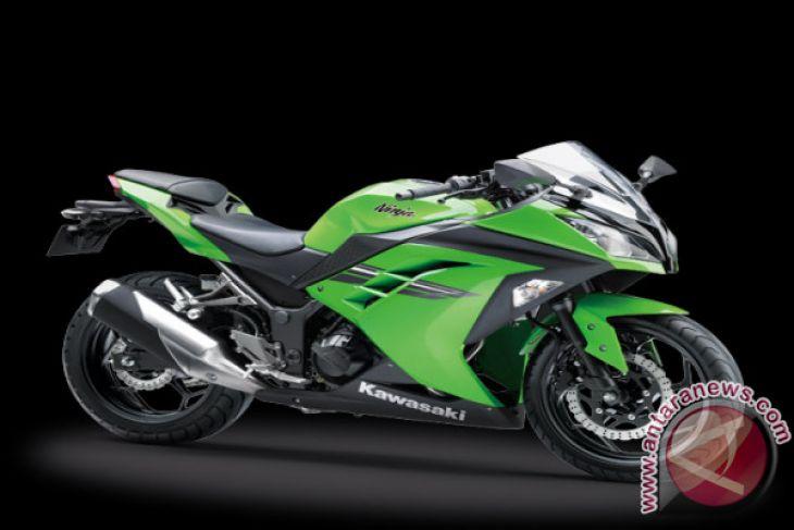 Kereen .. Kawasaki New Ninja 250 Menggeber di NTB